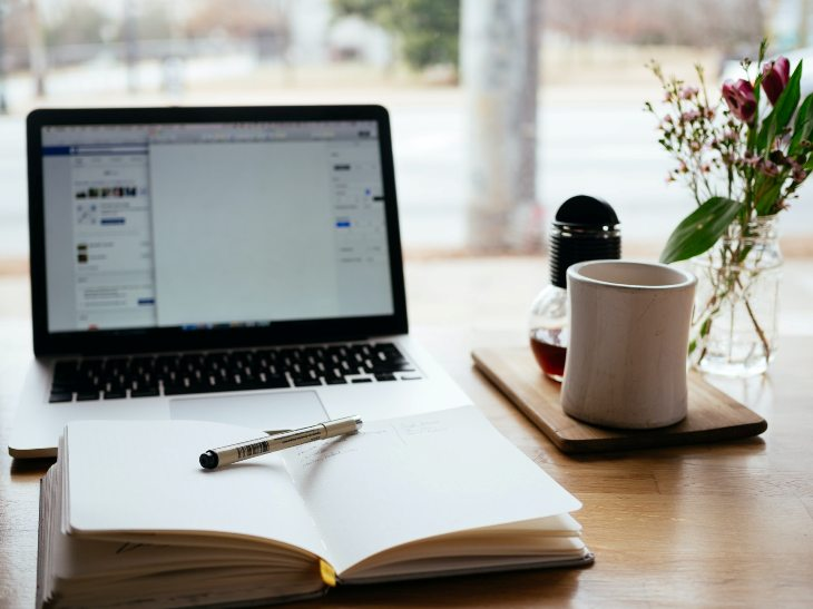 I Work With Italki. How Do I Manage My Invoices?